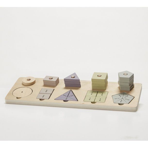 SHAPES AND FRACTIONS GAME